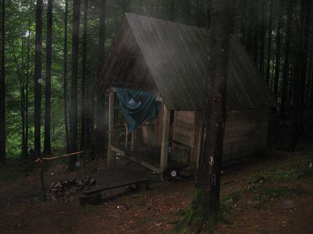 Наш рятівник – дерев'яний будиночок