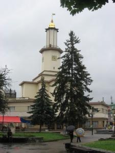 frankivsk-cityhall