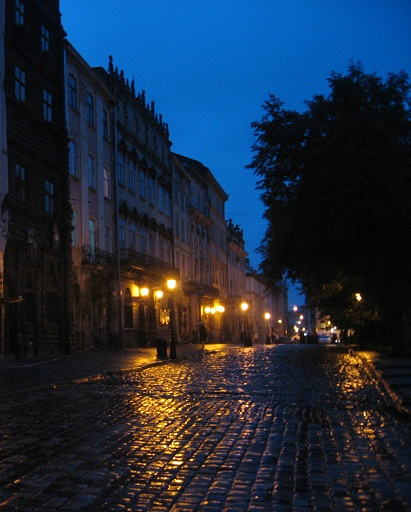 …і вночі