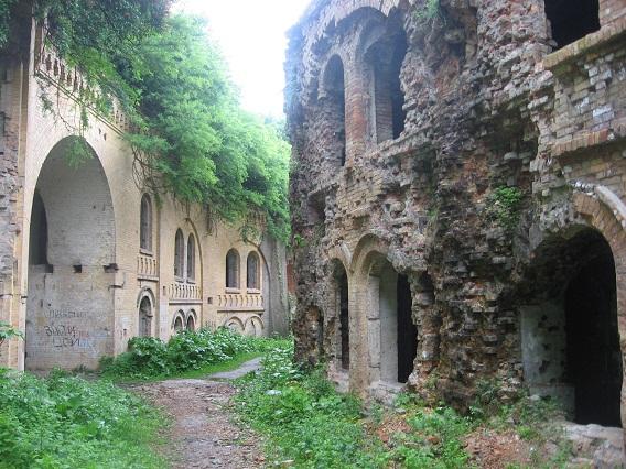 Внутрішня вуличка форту