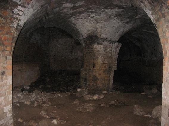 Загрозливо деформовані опори – не рідкість у підземеллях