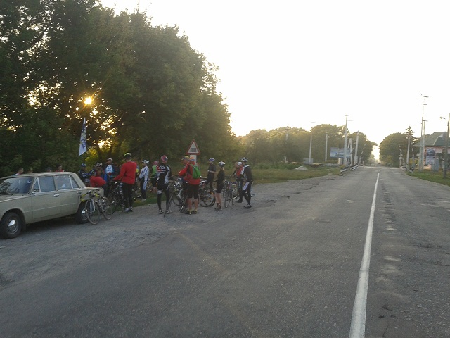 Велосипедисти перед стартом