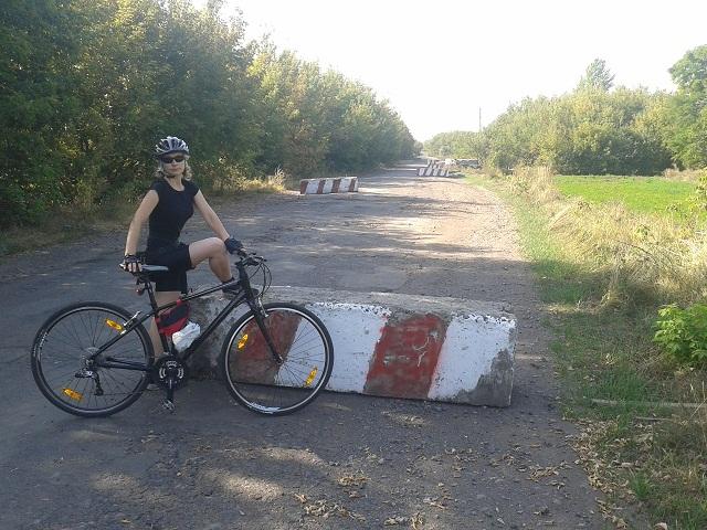 Бетонні блоки - не перешкода велосипеду