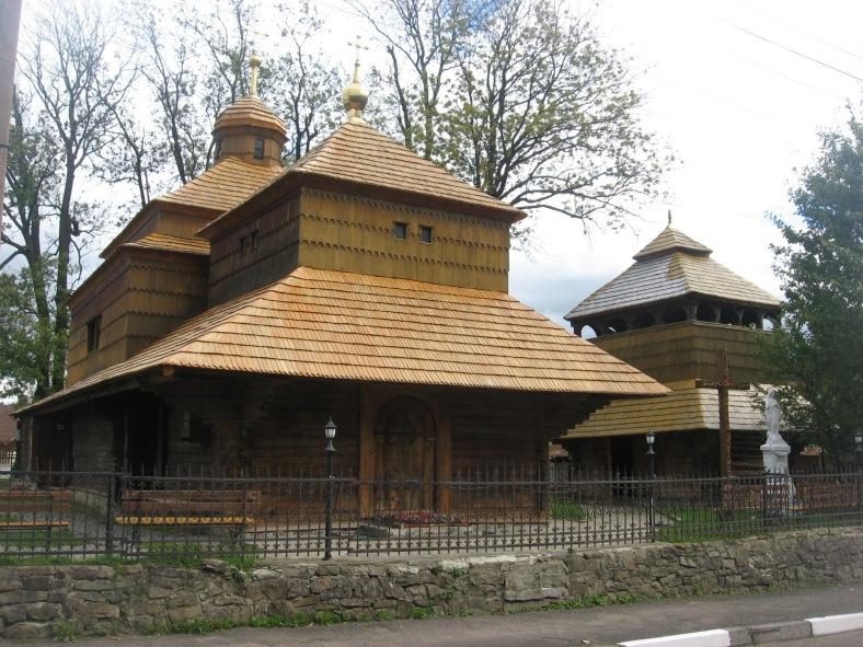 Дерев'яний храм у Сколе зустрічає вже своє п'яте століття