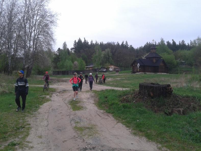 Прогулянка до церкви в селі Копачів