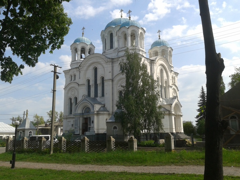 Храм у Глухові. Чи не зустрічали щось подібне у Києві?