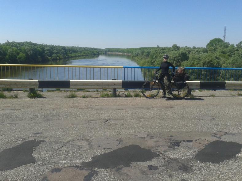 На мості через Десну
