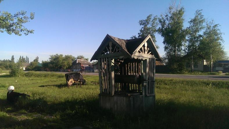 Типова криниця у селі Постольному