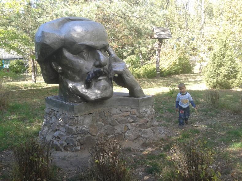 Як побачите Ціолковського з вусами Кобзаря – ви знаходитеся біля українського музею космосу