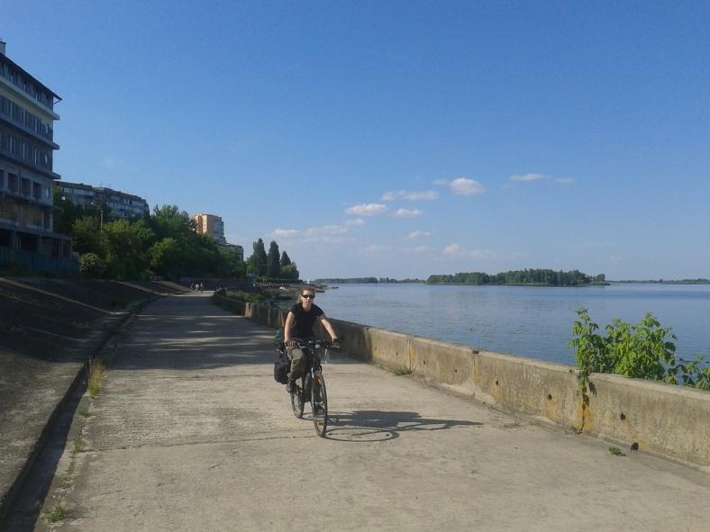 Набережна в Українці цілком комфортна для велосипедної їзди