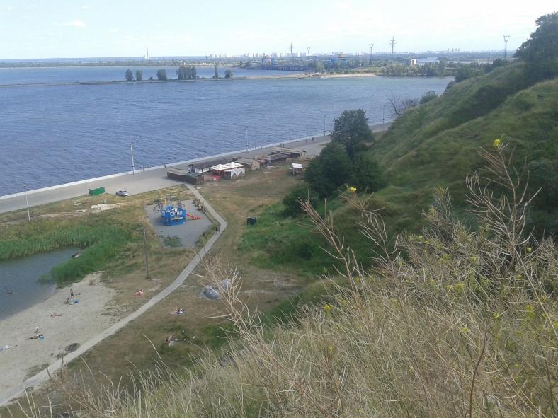 З висоти Вишгородських пагорбів видно і ГЕС і всю київську Троєщину