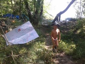 Гуляючи лісом ніколи не втрачайте пильність: раптом десь причаїлася карта скарбів!