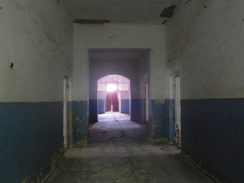 12 Corridor